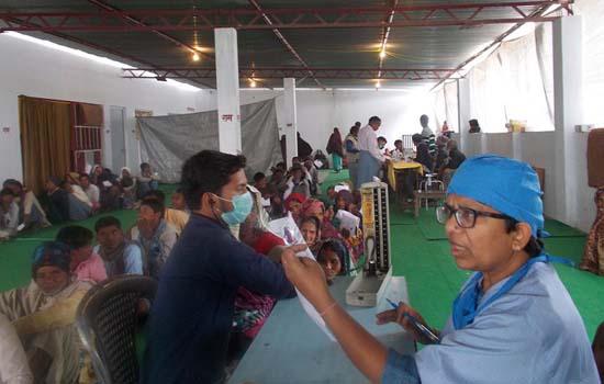 श्रीराम वन कुटीर आश्रम हंड़ियाकोल में आयोजित शिविर में 500 आॅपरेशन