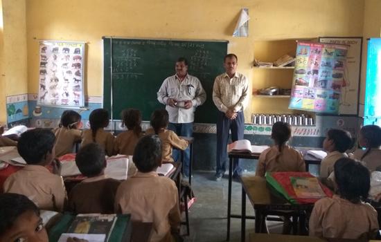 मात्स्यकी के राष्ट्रीय स्वयं सेवकों ने गोद लिये गांवों में की समाज सेवा