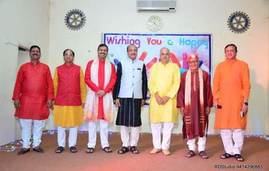 रंगारंग सांस्कृतिक कार्यक्रमों के साथ होली मिलन समारोह आयोजित