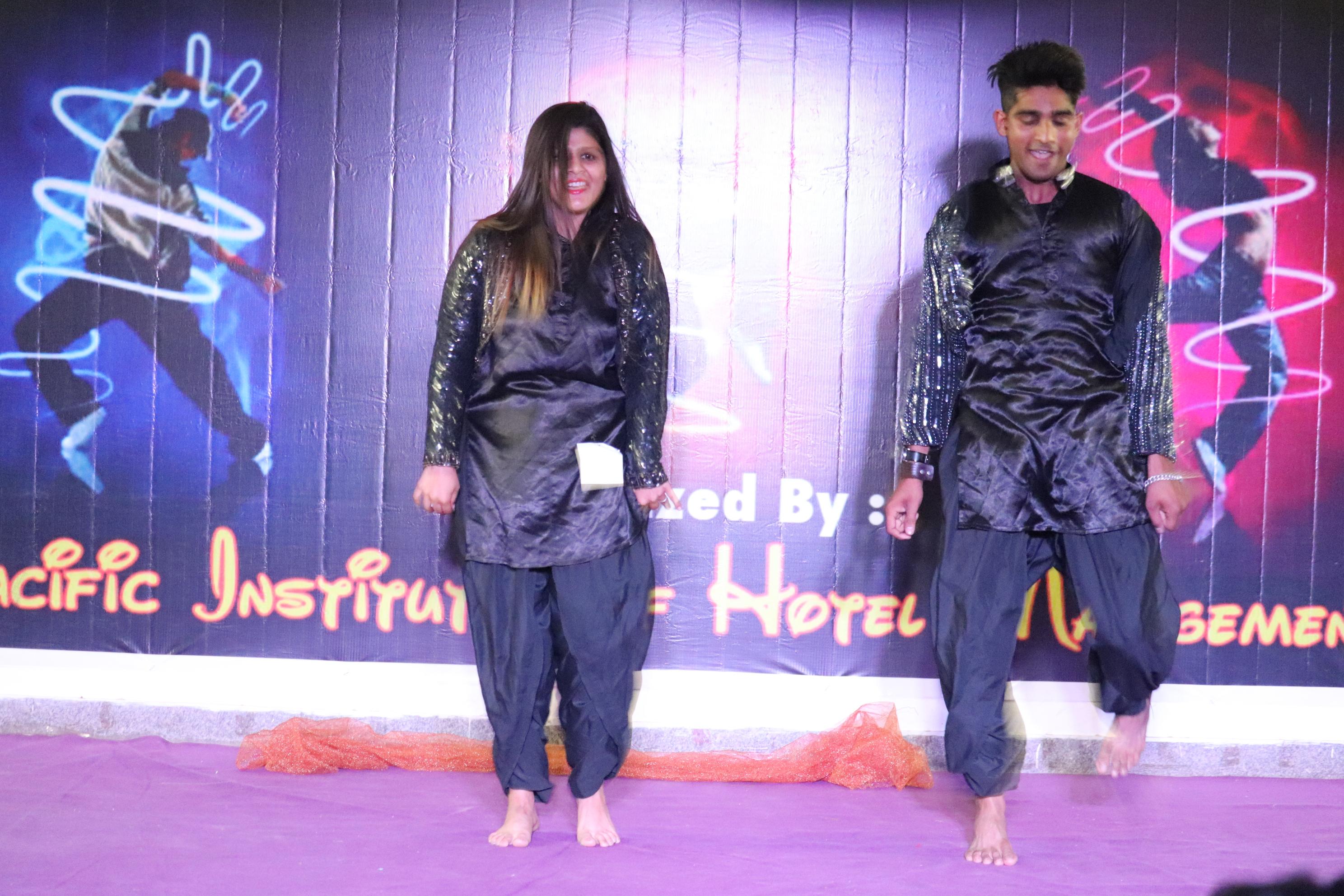 एक दिवसीय ''इंटर कॉलेज'' नृत्य प्रतियोगिता Let's Dance का आयोजन