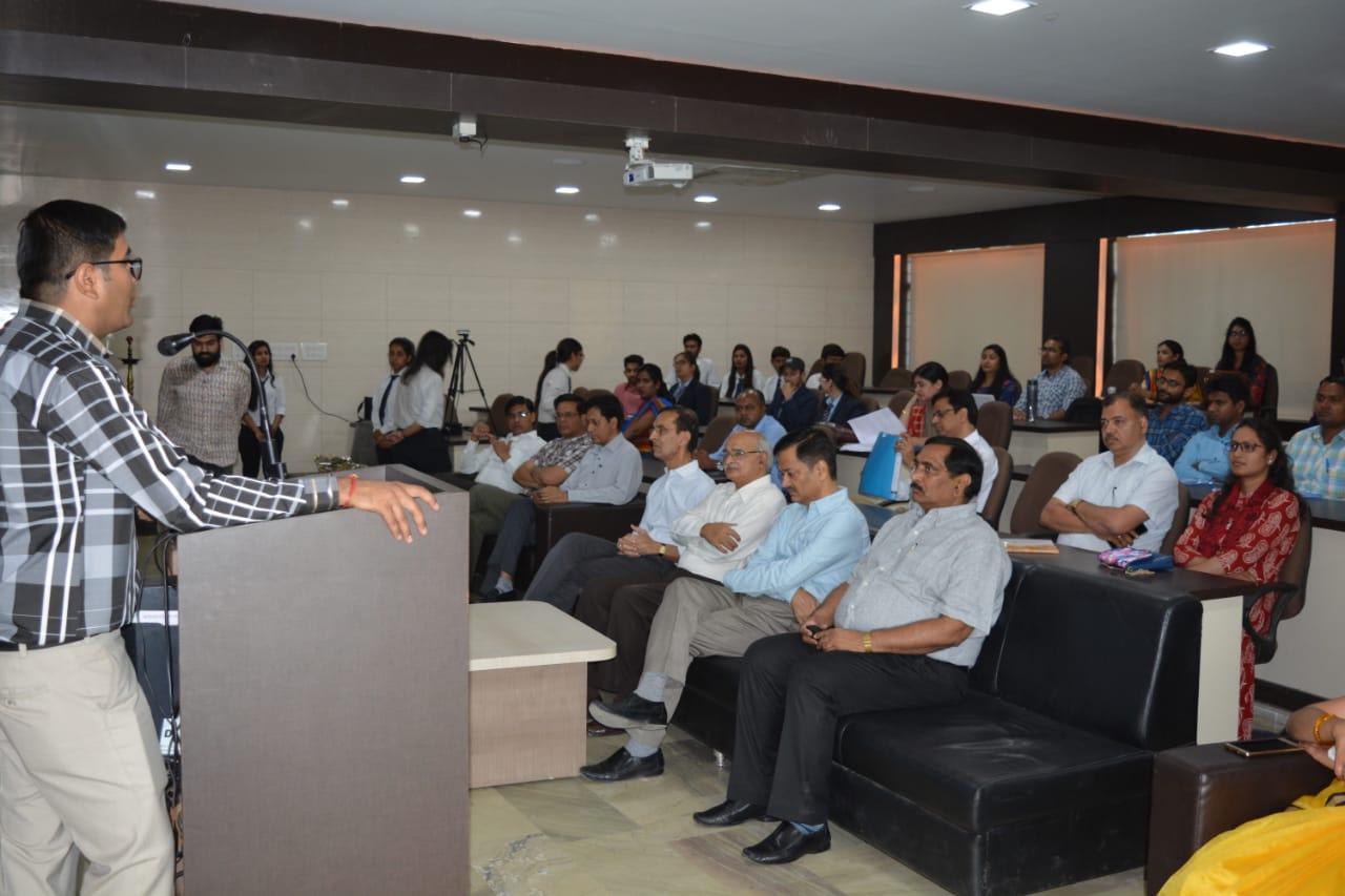 गीतांजली में इंटरनेशनल संगो६ठी का आयोजन