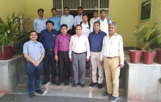 सी.डी.एफ.एस.टी. के विद्यार्थीयों का अमुल फेड डेयरी गाधीनगर (गुजरात) मे चयन