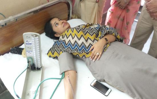 जिला कलक्टर ने रक्तदान कर दी प्रेरणा