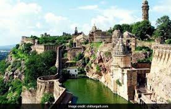 मिन्हाज आलम ने किया प्रतापगढ क्षेत्र का दौरा