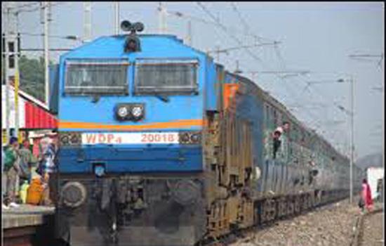 जोधपुर रेल मंडल पर उत्कृष्ट कार्य करने वाले कर्मचारियों को किया गया सम्मानित
