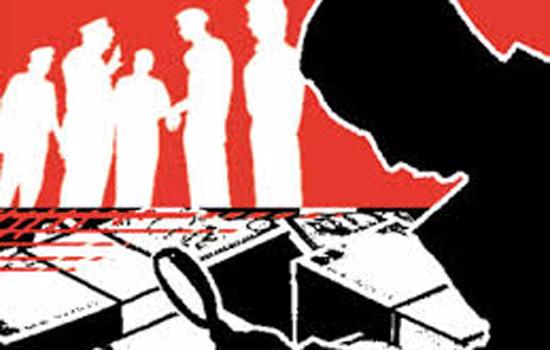 चुनाव आयोग ने तूतीकोरिन के होटल पर छापेमारी की