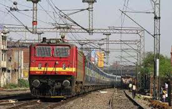 डिब्बों में अस्थाई बढोतरी:०२ रेलगाडियों म बढाये गये डिब्बें