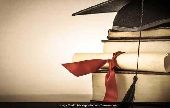 स्नात्तक स्तर एवं स्नात्तकोत्तर की नियमित कक्षाएं एक जुलाई से