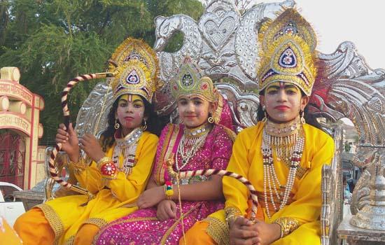 भगवान महेश की शोभायात्रा मे उमड़ा समाज, महाप्रसादी का लिया लाभ