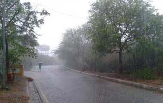 दिल्ली में हल्की बारिश होने की संभावना