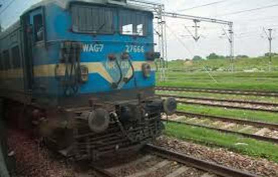 अहमदाबाद स्टेशन पर सीसी वाशेबल एप्रेन निर्माण कार्य के कारण गाडियॉ प्रभावित