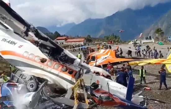 नेपाल में रनवे से फिसला विमान