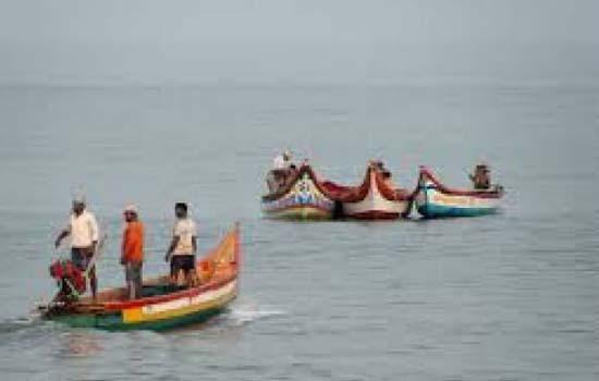 श्रीलंकाई नौसेना ने छह मछुआरों को पकड़ारा