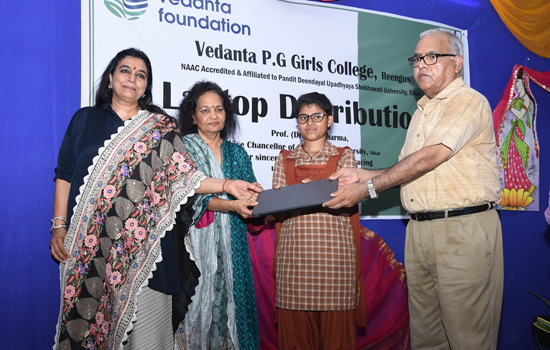 Riding the digitisation wave, Vedanta provides laptops to 3000 girls