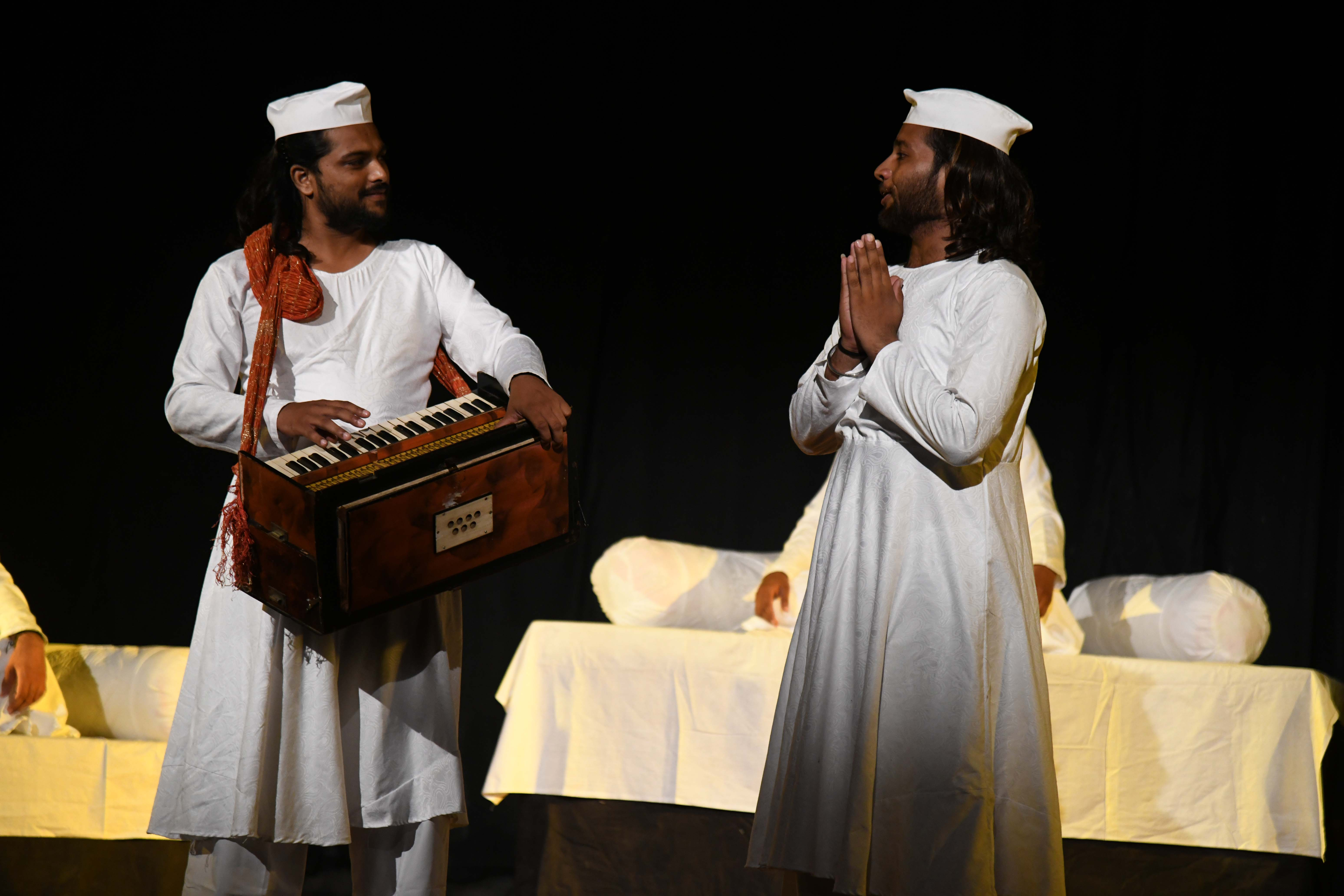 गुरू नानक देव की कथाओं का मनोरम मंचन