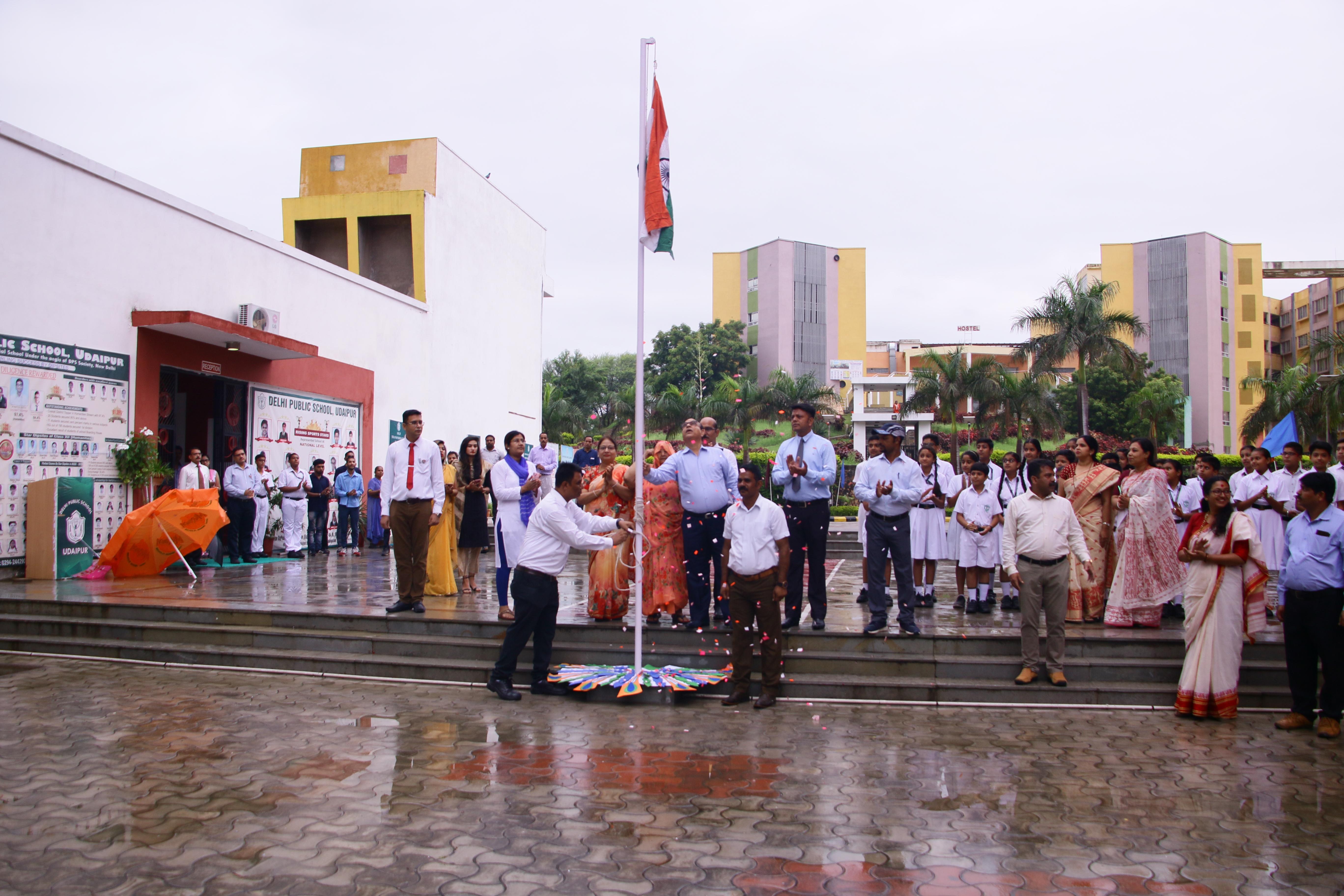 डीपीएस, उदयपुर ने मनाया 73वाँ स्वाधीनता दिवस
