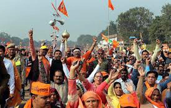 दलित समुदाय के लोगों ने झंडेवालान से रामलीला मैदान तक किया प्रदर्शन