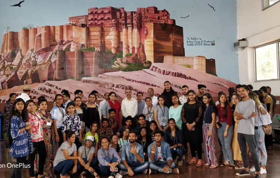 मेहरानगढ किले की विशाल पेन्टिंग तथा राजस्थानी चित्रकला करने वाले सम्मानित