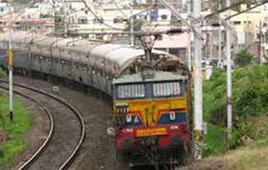 डिब्बों में अस्थाई बढोतरी:१७ रेलगाडियों म बढाये गये डिब्बें
