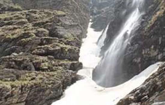 आध्यत्म और प्राकृतिक सौंदर्य का सम्मोहन कभी न भूल पाएंगे उत्तराखंड की यात्रा