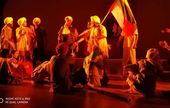शिल्पग्राम के दर्पण सभागार में नाटक ''जलियांवाला बाग'' का मंचन
