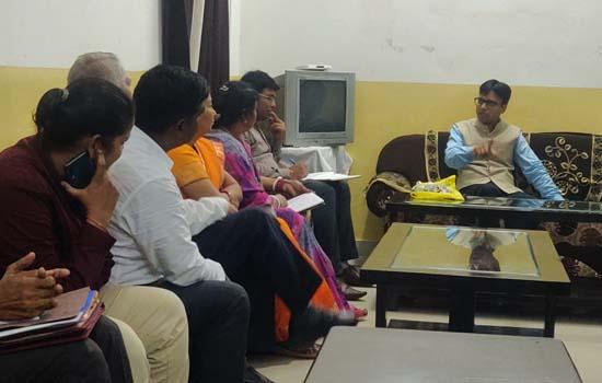 आयोग सदस्य डॉ. शैलेन्द्र पण्ड्या ने चित्तौड़़गढ़ सर्किट हाउस में ली बैठक