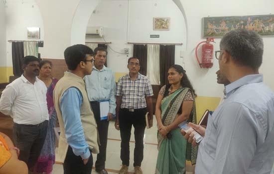 आयोग सदस्य डॉ. शैलेन्द्र पण्ड्या ने किया विभिन्न संस्थानों का निरीक्षण