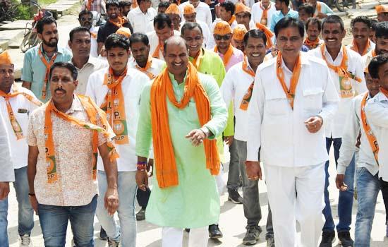 गांधी संकल्प पूर्ण के लिए सांसद ने शुरू की पदयात्रा
