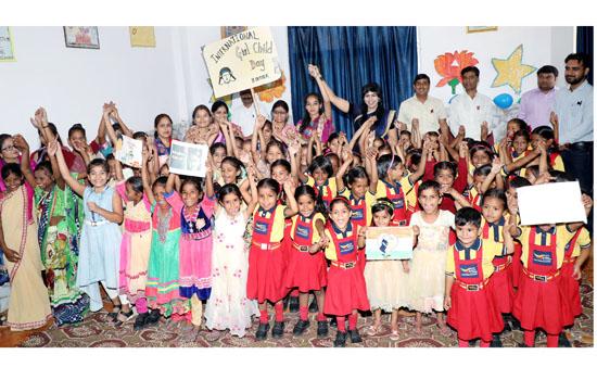 नारायण सेवा में अन्तर्राष्ट्रीय बालिका दिवस मनाया