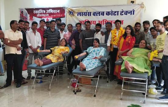 मौसमी बीमारियां व डेंगू पीडि़तो की सहायतार्थ शिविर में 63 लोगो ने किया रक्तदान
