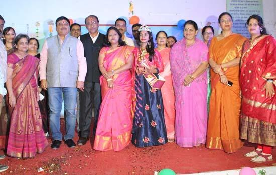 अंजलि मेनारिया मिस फ्रेशर कन्या महाविद्यालय की फ्रेशर पार्टी छात्राओ ने रंगारंग प्रस्तुतियों से बांधा समा