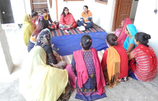 सखी उत्पादन केन्द्र आजोलिया का खेडा में सुरक्षा जागरूकता कार्यक्रम