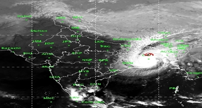 गंभीर चक्रवाती तूफान बुलबुल से पश्चिम बंगाल के तटवर्ती क्षेत्रों और बंगलादेश में भारी वर्षा