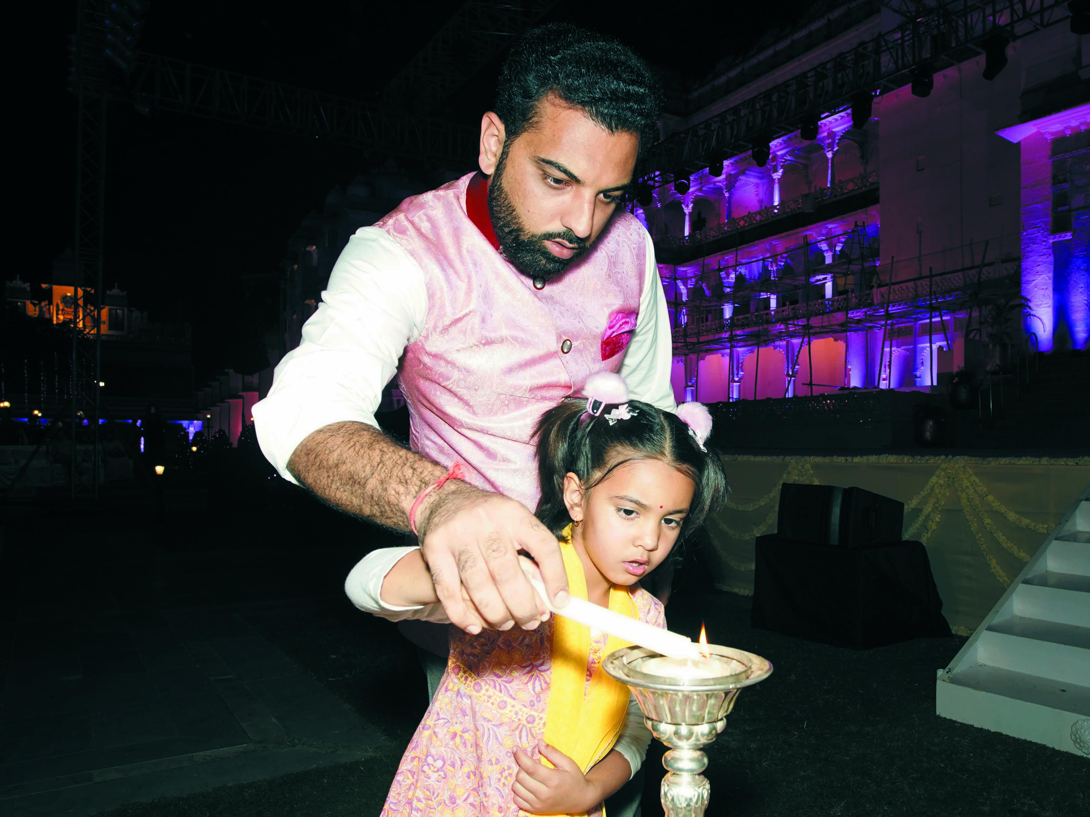 सिटी पेलेस: भरतनाट्यम की मंत्र्मुग्ध प्रस्तुतियों से कला प्रेमी हुए भाव विभोर