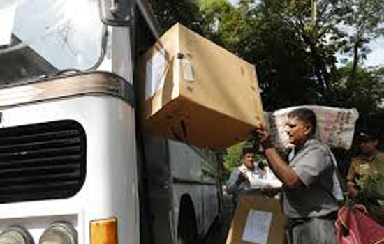 श्रीलंकाई मतदाताओं को लेकर जा रही बसों पर चलाई बंदूकधारियों ने गोलियां