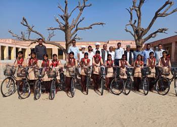 रामावि नोख में हुआ साइकिल वितरण समारोह