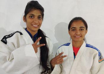 अनिता ओर शायरी का जूडो की ऑल इंडिया रास्ट्रीय प्रतियोगिता में चयन