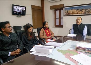 मुख्य निर्वाचन अधिकारी आनंद कुमार ने उदयपुर में ली बैठक