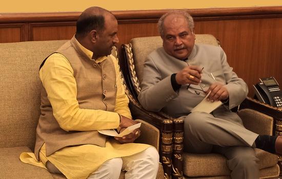 सांसद जोशी ने की केन्द्रीय मंत्री नरेन्द्र सिंह तोमर से भेंट