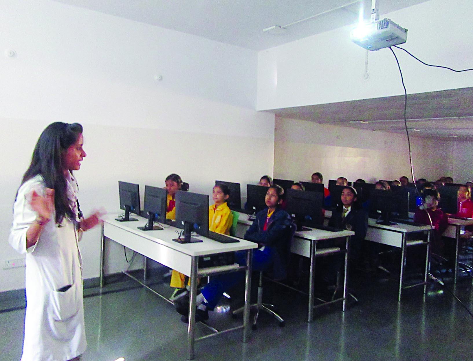 'किशोरावस्था में होने वाले परिवर्तन'' विषय पर कार्यशाला आयोजित