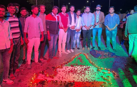 उदयपुर के युवा छात्रों ने छेड़ी एक अनूठी पहल प्रेम दिवस नहीं मना के पुलवामा शहीद दिवस मनाया