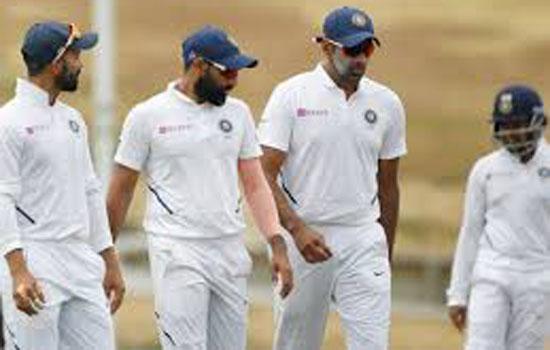 भारतीय तेज गेंदबाजों ने चटकाए 9 विकेट