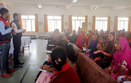 राजस्थान में बधिर बच्चों के माता-पिता के लिए जागरूकता सत्र आयोजित