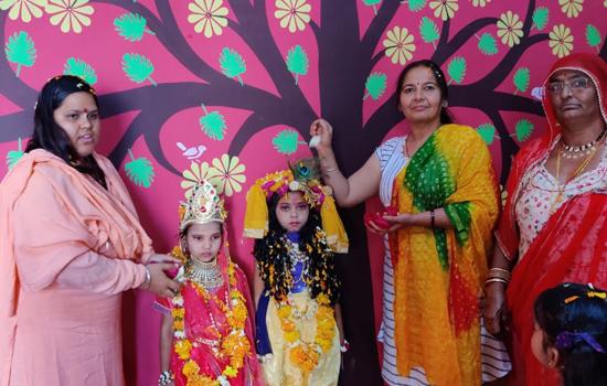 फूलों से होली खेल मनाया फागोत्सव