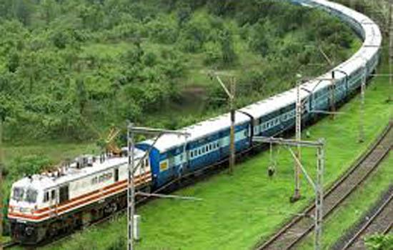 ०२ रेलसेवाओं में बढाये गये द्वितीय कुर्सीयान श्रेणी डिब्बे