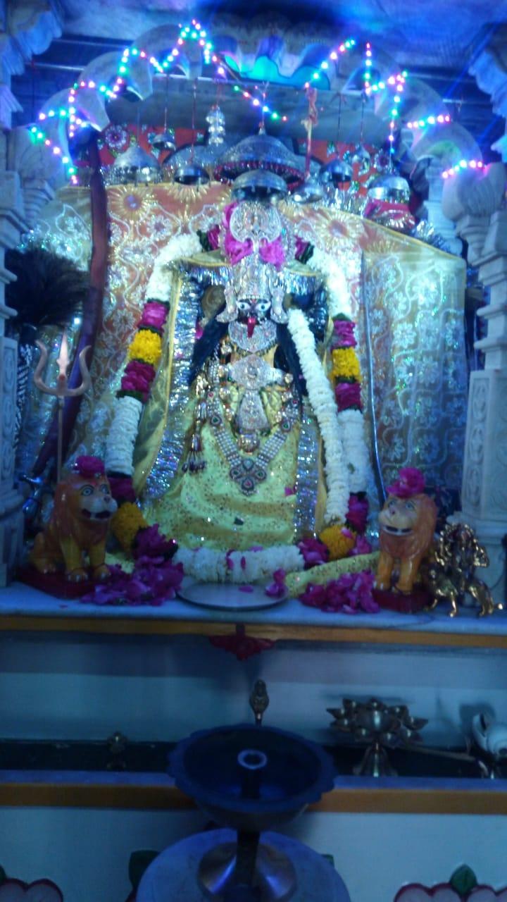चैत्र नवरात्रा पर माता जी की पूजा अर्चना