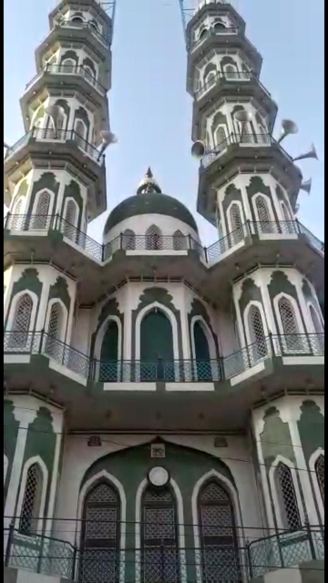मंदिर गुरूद्वारे से की मुनादी श्रदालु घर पर करे पुजा-पाठ