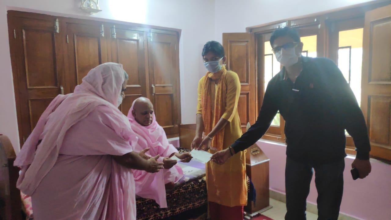 रामनिवास धाम ट्रस्ट ने कोरोना वायरस प्रभावितों के लिए 11 लाख रू राशि की भेंट