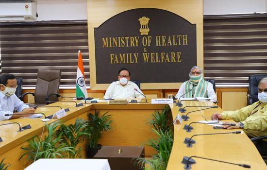 डॉ. हर्ष वर्धन ने दिल्ली के उपराज्यपाल और स्वास्थ्य मंत्री के साथ कोविड-19 की समीक्षा की