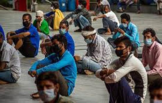 भूख और निराशा के कारण घर लौटे प्रवासी कामगार
